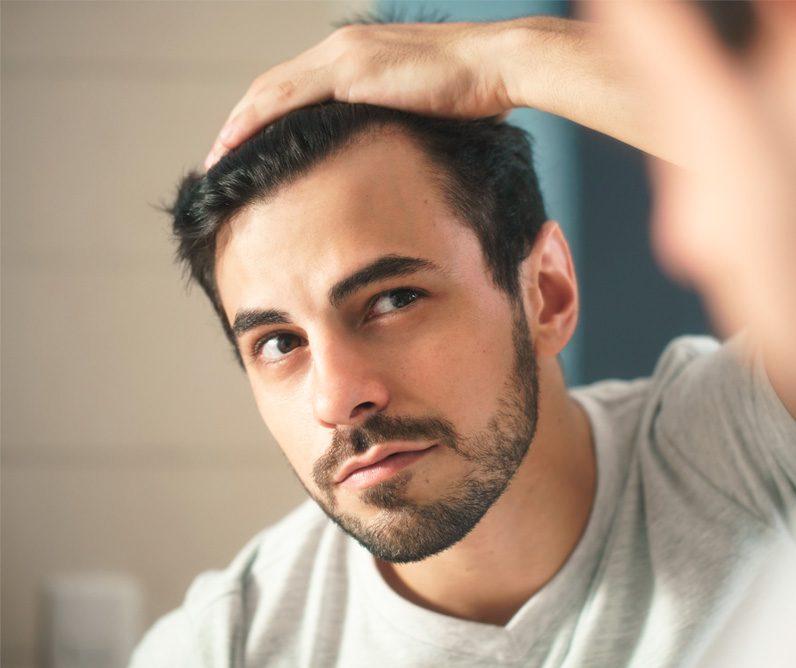 Cómo evitar con productos farmacéuticos la caída del cabello